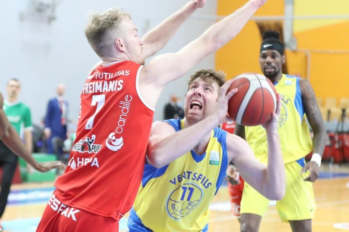 OTSE DELFI TV-s | Üle ootuste kaunis algus Final Six turniirile! Rapla võitis Ventspilsi vastu avapoolaja 17 punktiga