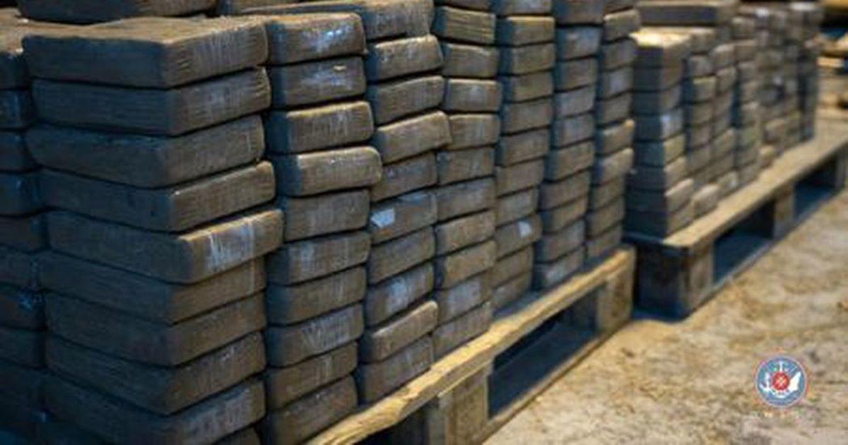 Ecuadori politsei konfiskeeris 1,3 tonni Eestisse määratud kokaiini