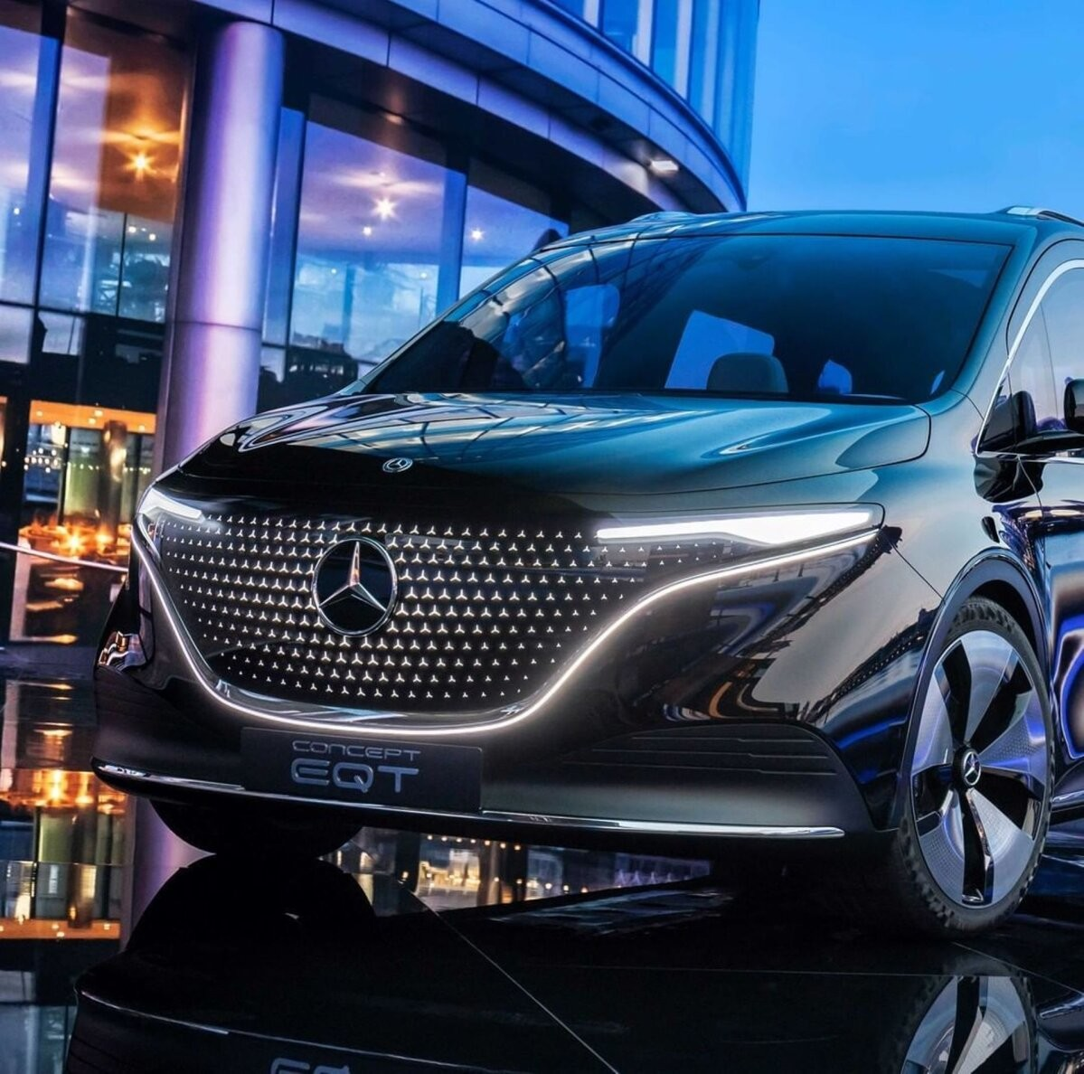 Mercedes matab 40 miljardit täiselektrilisse mudelivalikusse