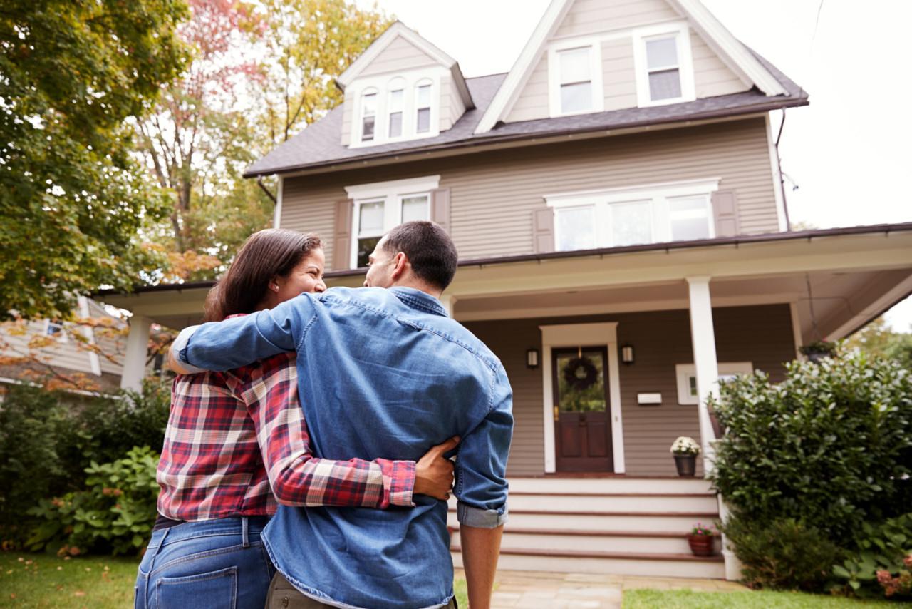 Järjest rohkem ostetakse kinnisvara laenu võtmata. Kust inimesed selle raha võtavad?