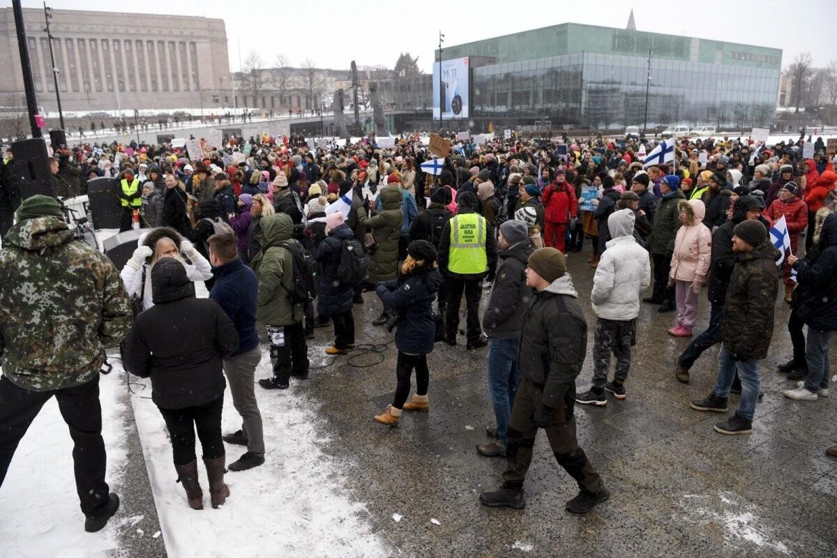 Soome politsei kahtlustab 46 inimest kogunemisreeglite rikkumises koroonapiirangute vastasel meeleavaldusel