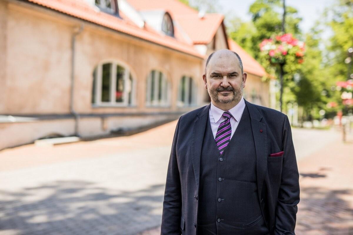 Viljandi linnapeaks pürgiv Ando Kiviberg: Jaak Joala kuju ei kao kusagile