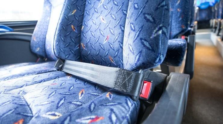Majanduskomisjon kiitis heaks turvavöö nõude lapsi vedavates ekskursioonibussides