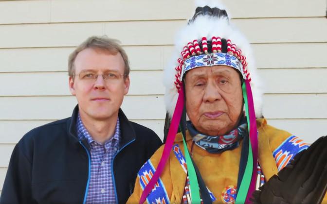 """""""Pealtnägija"""": eestlane õpetab Ameerikas indiaanlastele nende endi keeli"""